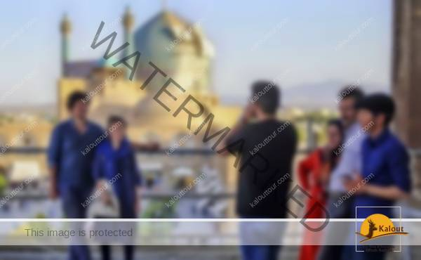 What are tourists writting after traveling to Iran
