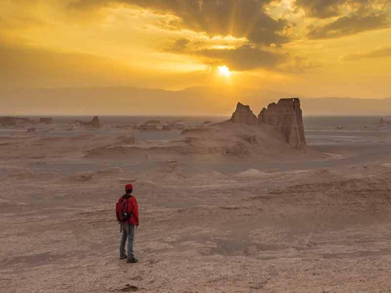 Experience trekking in deserts of Iran